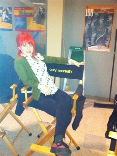 hayley on the set of glee