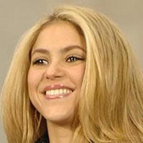 Shakira blond