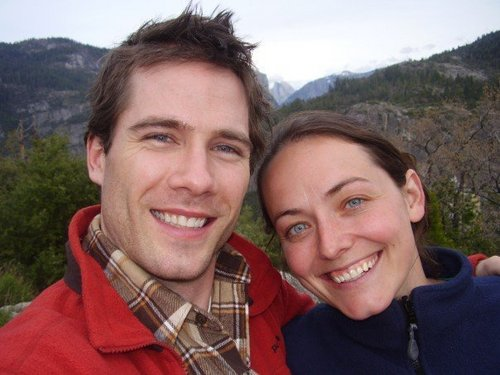 Luke Macfarlane پیپر وال called Hiking with دوستوں