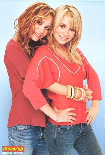 Mary-Kate & Ashley Olsen wallpaper containing a portrait entitled 2005 - Dream'Up Special 01