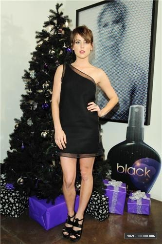 2010-12-15 black 15in1 Exclusive Launch Party at the Andy Lecompte Salon