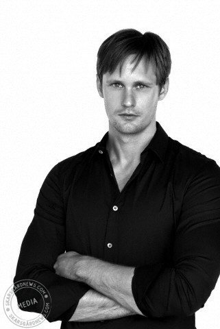 True Blood karatasi la kupamba ukuta entitled Alexander Skarsgard - Paul Schefz Photoshoot 2008