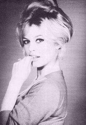 Brigitte Bardot hình nền possibly with a portrait entitled BB