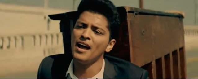 bruno mars grenade Listen to grenade by bruno mars - the music hutch.