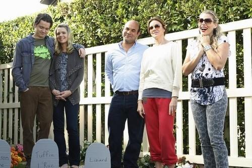 Cougar Town - Episode 2.11 - No Reason to Cry - Promotional Photos