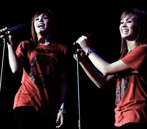 Demi Lovato - fan Arts