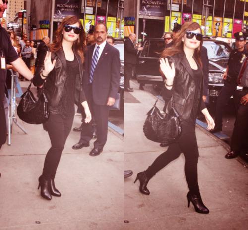 Demi Lovato - fã Arts