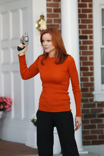 Desperate Housewives - Episode 7.10 Down The Block There's a Riot - thêm HQ Promotional các bức ảnh
