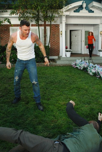 Desperate Housewives - Episode 7.10 Down The Block There's a Riot - আরো HQ Promotional ছবি
