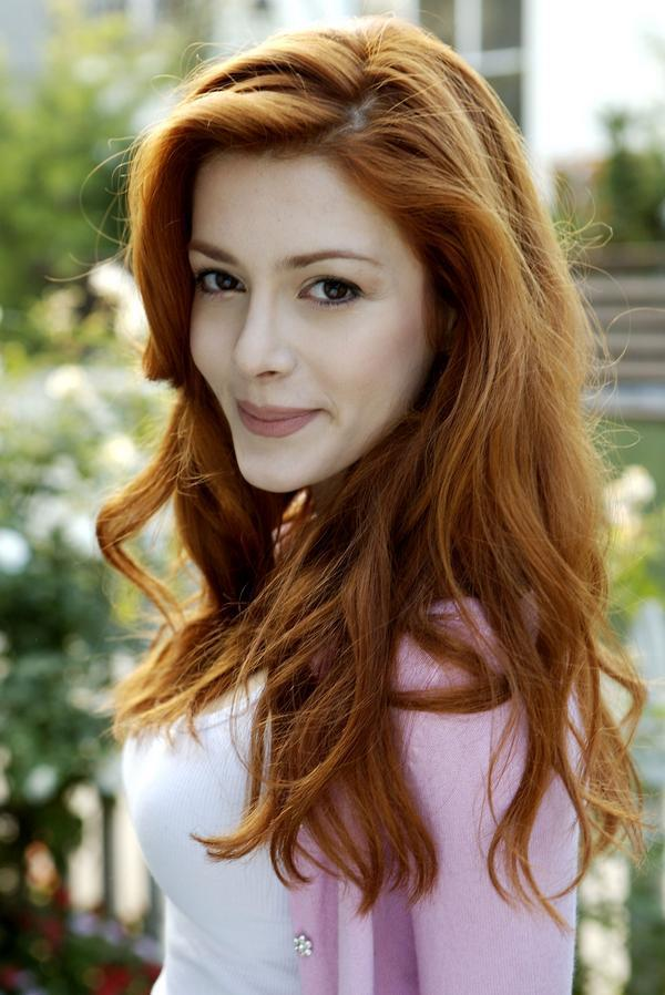http://images4.fanpop.com/image/photos/17700000/Fun-Elena-elena-satine-17774059-600-898.jpg