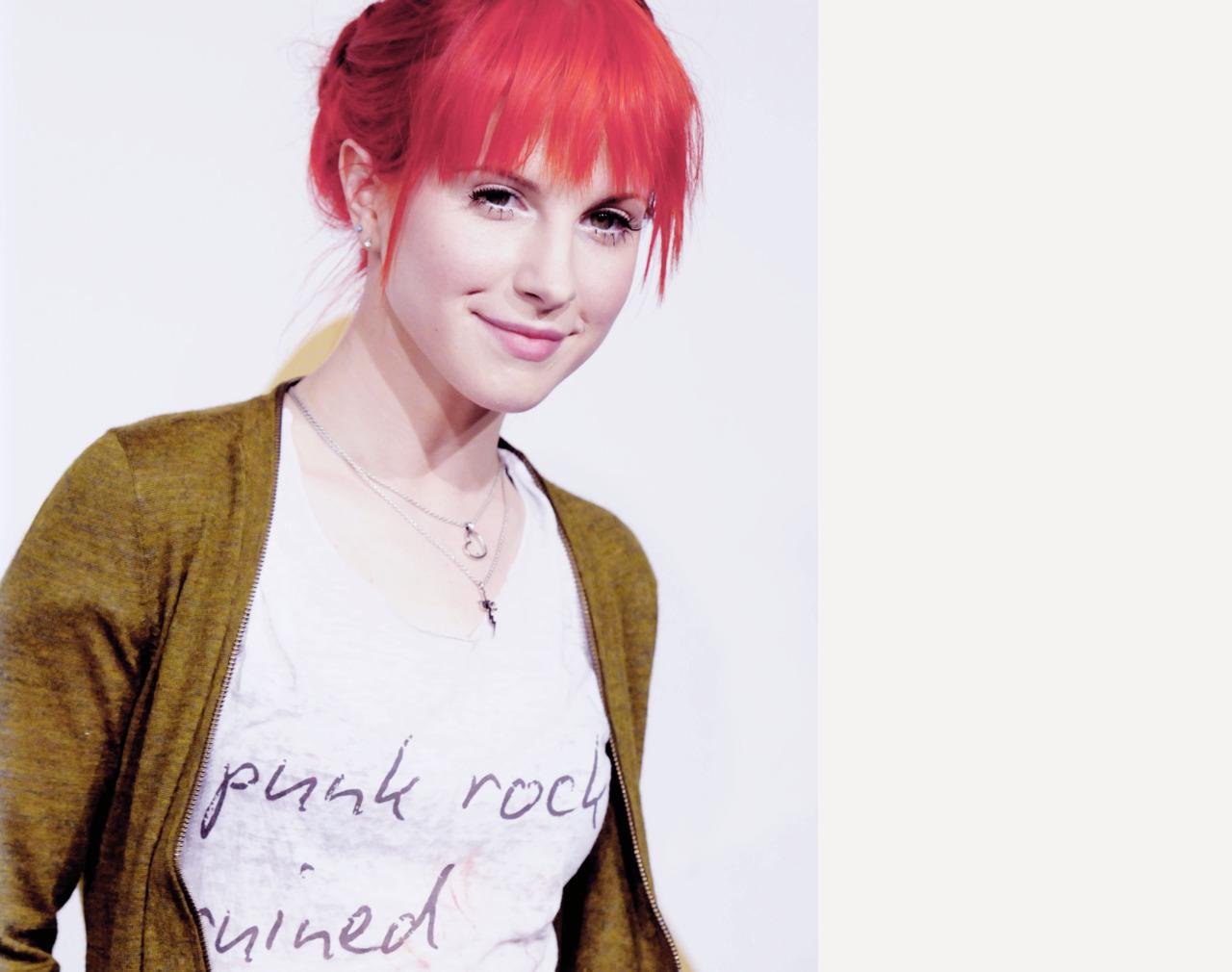 Hayley - Hayley Willia...