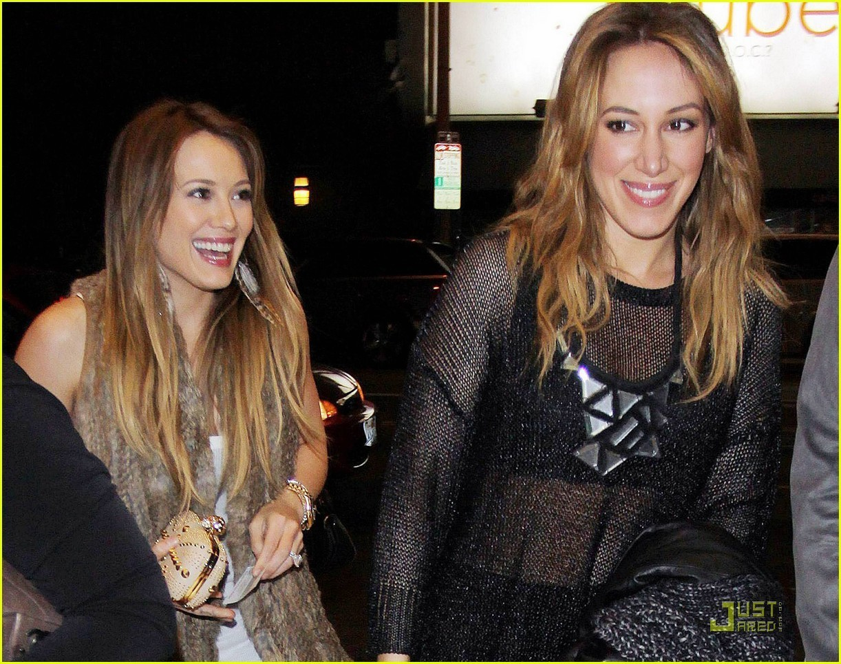 Hilary & Haylie out in LA - hilary-duff photo