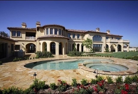 Paris Jackson kertas dinding probably with a resort, a villa, and a villa entitled Jackson's NEW House!