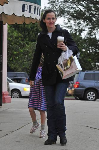 Jen & violet out & about 12/15/10