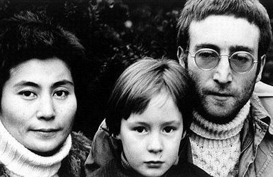 John Lennon wallpaper probably containing a portrait called John, Yoko and Julian