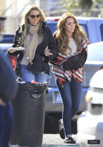 Miley on the set of her upcoming movie 'So Undercover' with  her mom Tish in  New Orleans on Decembe