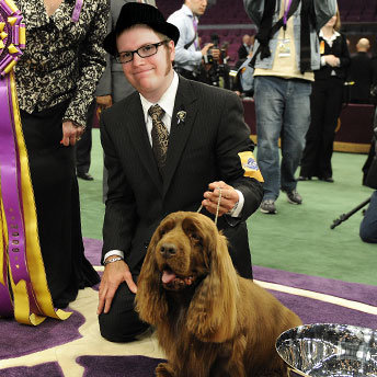 PATRICK STUMP WITH A DOG!!