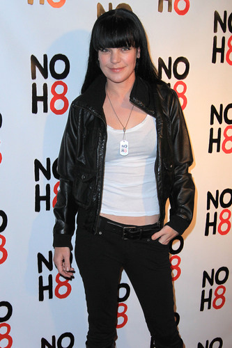 NCIS wallpaper with an outerwear, an overgarment, and a well dressed person titled Pauley Perrette,LA, 13.12.10