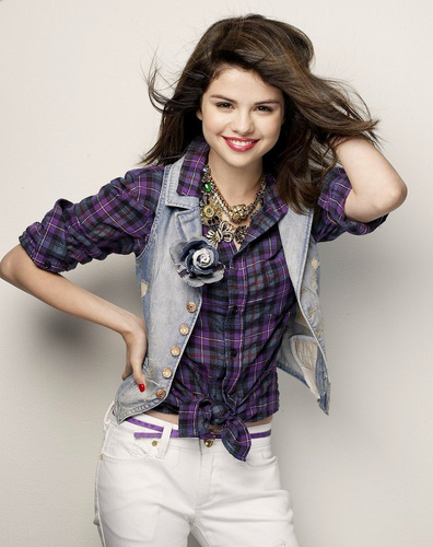 Selena <333