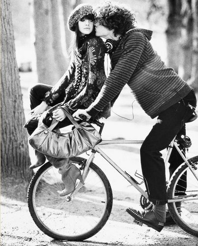 Photography Fan wallpaper probably with a bicycle, a velocipede, and a bicycling titled kiss