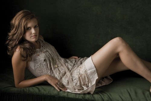 迷失 壁纸 with skin called maggie grace photoshoot