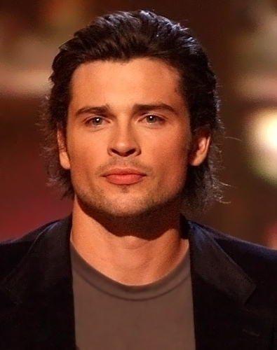 Tom Welling Hintergrund with a portrait titled tom