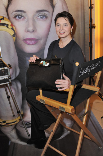 'Isabella Rossellini' Bulgari Bag Launch कॉकटेल Party