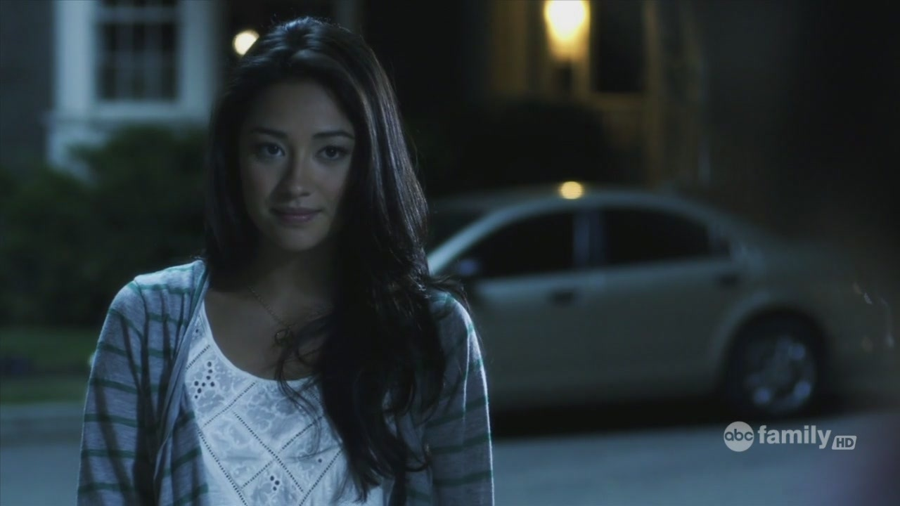 Pretty little liars emily fields
