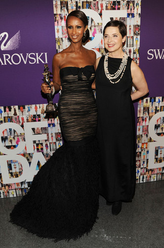 2010 CFDA Fashion Awards - Winner's Walk