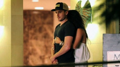 2010, Zac & Vanessa In Waikiki