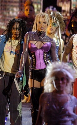 American 음악 Awards,Novembar 2003,Performing