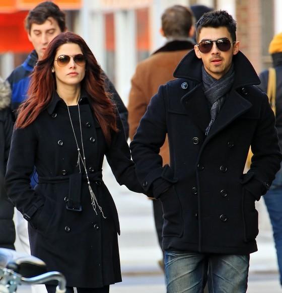 Ashley Greene & Joe Jonas Shopping In New York City