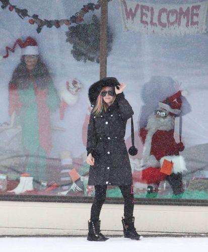 Avril and Brody Рождество shopping at Kingston , Ontario!