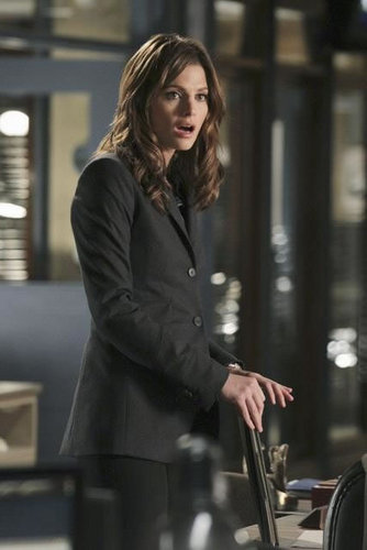 Kate Beckett wallpaper containing a business suit called Castle_3x11_Nikki Heat_Promo pics