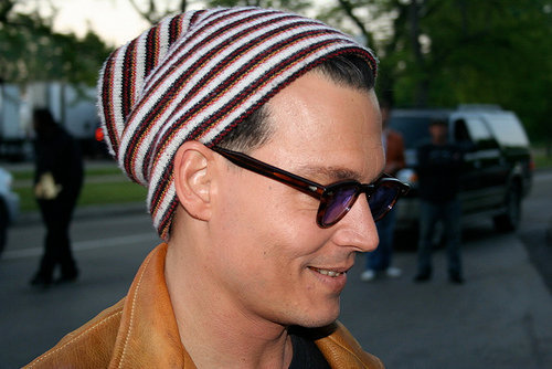 Johnny Depp wallpaper possibly containing sunglasses called Cute Depp !