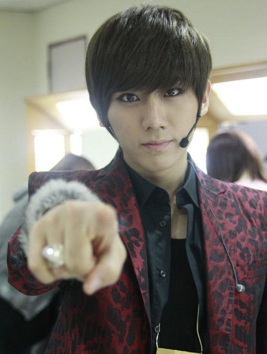 Jang Hyun Seung Hyunseung-beast-b2st-17842704-550-728