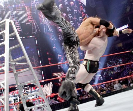 JoMo vs PaleAss (sheamus) Ladder Match 19-12-10
