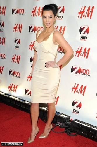 Kim makes an appearance at Z100's Jingle Ball 2010
