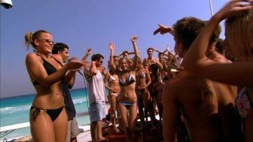 로라 램지 바탕화면 probably containing a bather, a hunk, and a water entitled Laura in The Real Cancun: Deleted Scenes