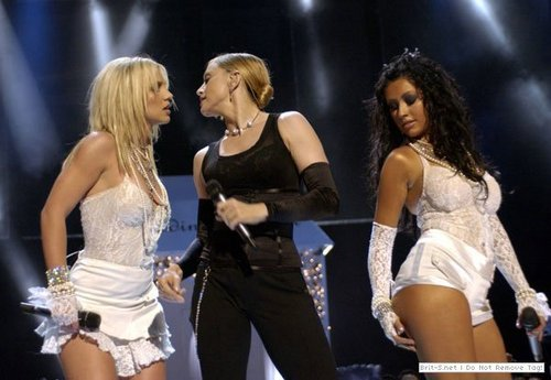 MTV Video Music Awards,28.9.2003