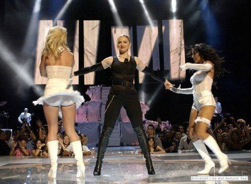 MTV Video muziki Awards,28.9.2003