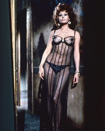 Sophia Loren wallpaper probably containing a cocktail dress and a cena dress entitled Marriage Italian Style
