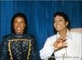 Michael Jackson/The Jacksons  VictorY Tour 1984  - michael-jackson photo