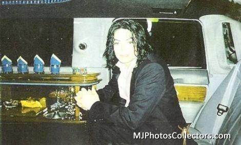 Raridades: Somente fotos RARAS de Michael Jackson. - Página 7 Mike-michael-jackson-17815497-470-282