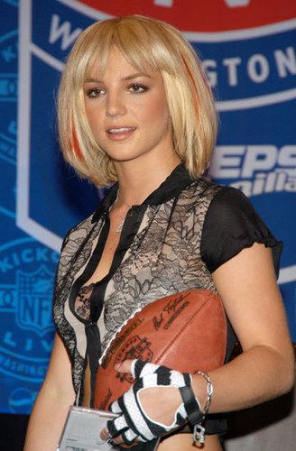 NFL Press Conference 2003