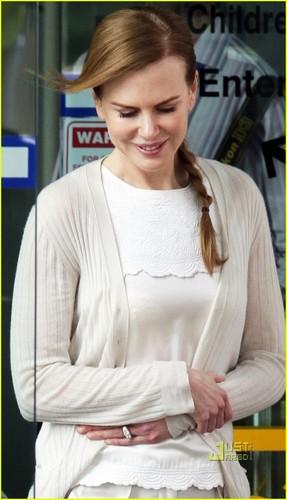 Nicole Kidman: Sydney Children's Hospital Visit!