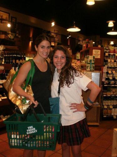 Nikki with fan