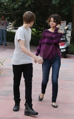 Selena & Justin out in Miami пляж, пляжный
