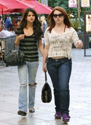 Selena out in LA