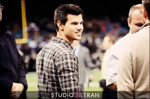 Taylor Lautner At The New Orleans Saints NFL Game!
